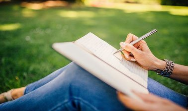 Learn Academic Writing Made Easy online by edX
